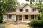324 OVERLOOK DRIVE, CROSS JUNCTION, VA 22625 - Image 1: : Come relax on your welcoming front porch!