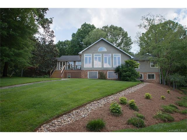 3138 lake wylie drive rock hill sc 29732 lhrmls for Home builders in rock hill sc