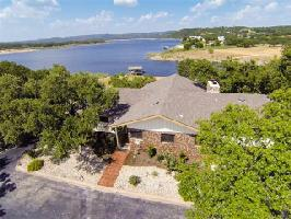 21401 Lakefront Dr, Lago Vista, TX 78645 Property Photo